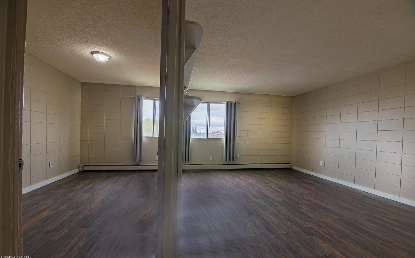 10040 152 Street NW, Edmonton, AB - $775