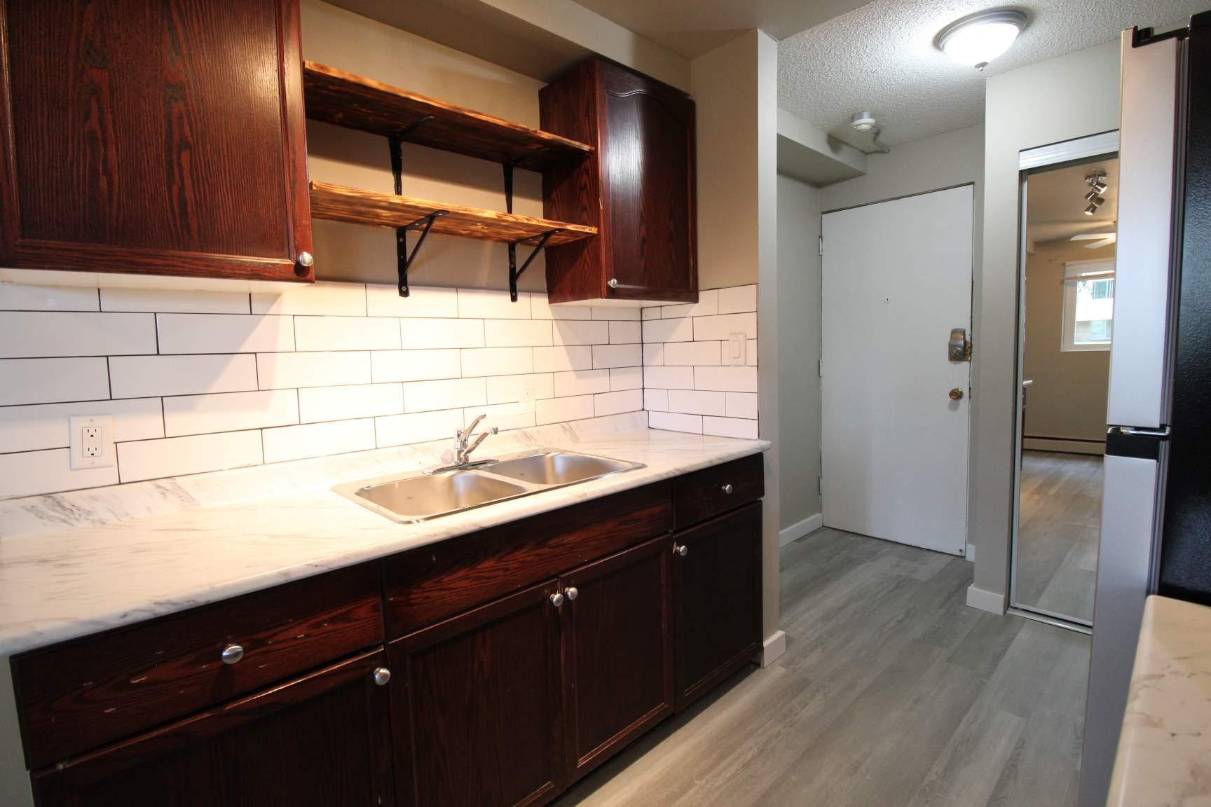10719 110 St NW, Edmonton, AB - $849 CAD/ month