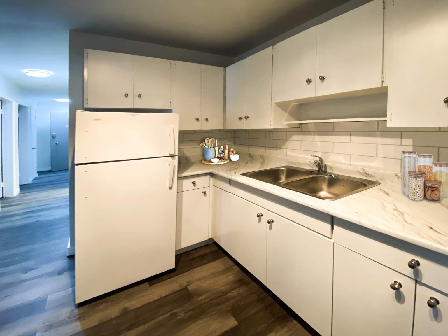 10730 102 St NW, Edmonton, AB - $825 CAD/ month