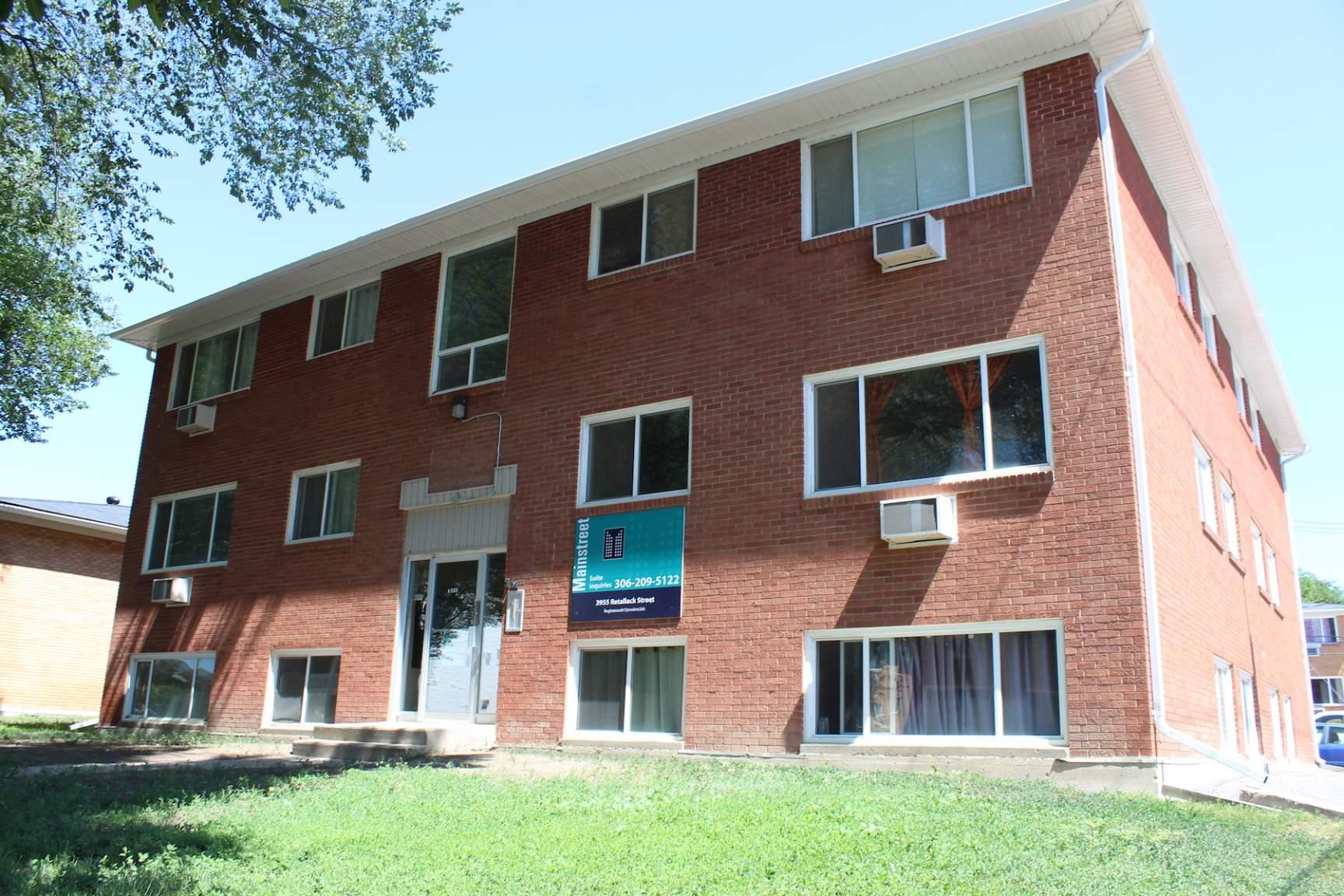 3955 Retallack Street, Regina, SK - 754 CAD/ month