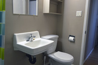 1497641461_03-30-2016_1140apartments-for-rent-Saskatoon-Laurentian-bathroom2-web.jpg