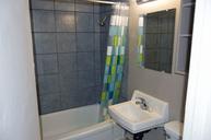 1497641466_03-30-2016_1140apartments-for-rent-Saskatoon-Laurentian-bathroom-web.jpg
