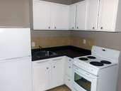 1497641654_03-07-2016_1725Edmonton-apartments-for-rent-Aurora-kitchen2-web.jpg