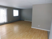 1497643664_03-08-2016_1100edmonton-apartments-for-rent-Second-livingroom4-web.jpg