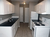 1497643683_03-08-2016_1100edmonton-apartments-for-rent-Second-kitchen-web.jpg
