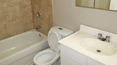 1510191507_11-08-2017_1048Beauview-apartment-rent-edmonton-bathroom.jpg