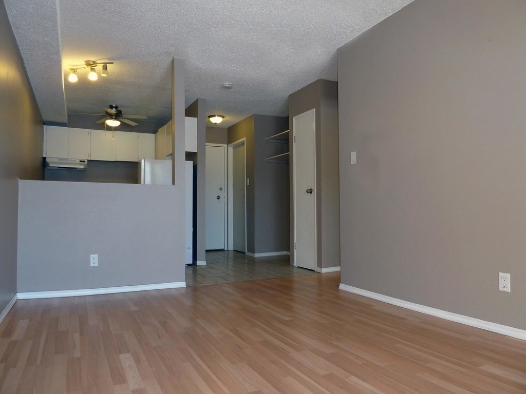 Saskatoon Saskatchewan Apartment for rent, click for details...