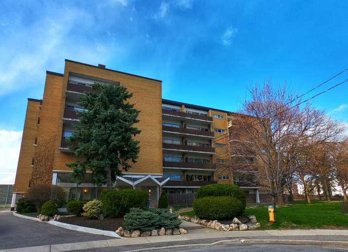 Bideford Apartments - 15 Bideford Ave