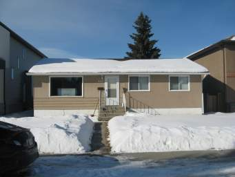 Home For Rent in  9222 154 St Nw, Edmonton, AB