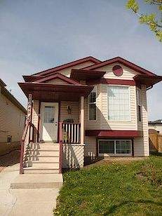 Home For Rent in  15648 44 St Nw, Edmonton, AB