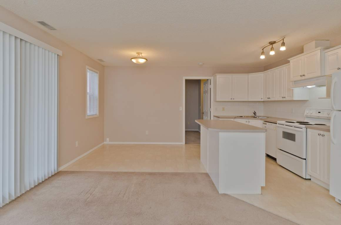 Okotoks Apartment for rent, click for more details...