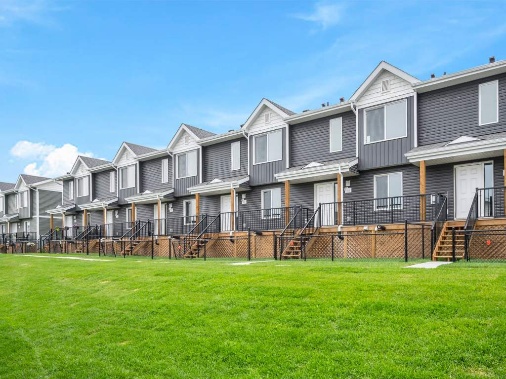 Fort McMurray Townhouse for rent, click for more details...