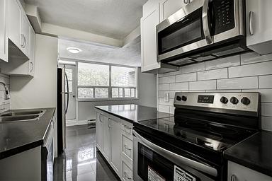 Apartment Building For Rent in  490 Nelson Avenue, Burlington, ON