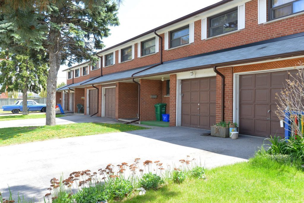 Mississauga Townhouse for rent, click for more details...