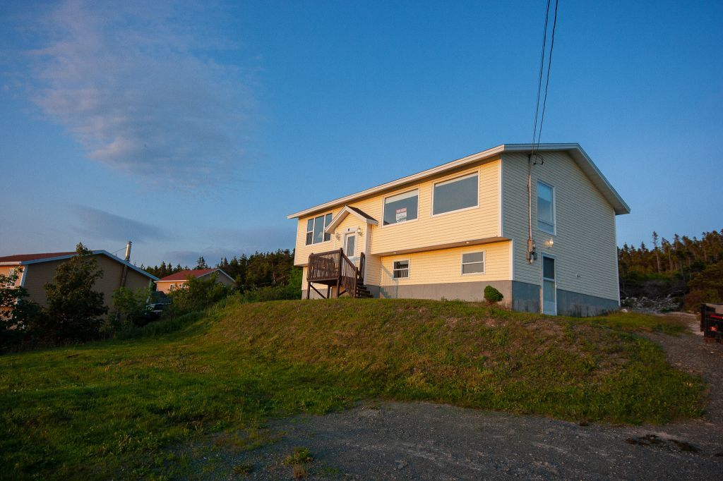 Flatrock Apartment for rent, click for more details...