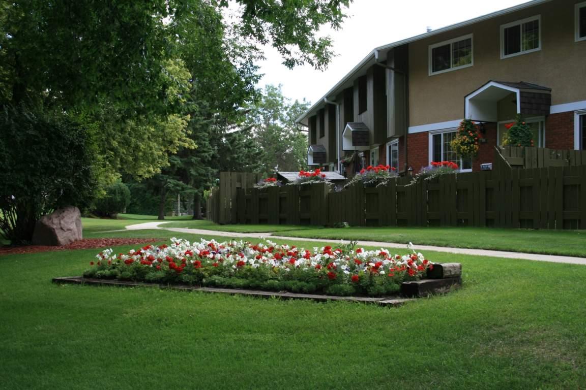Sherwood Park Townhouse