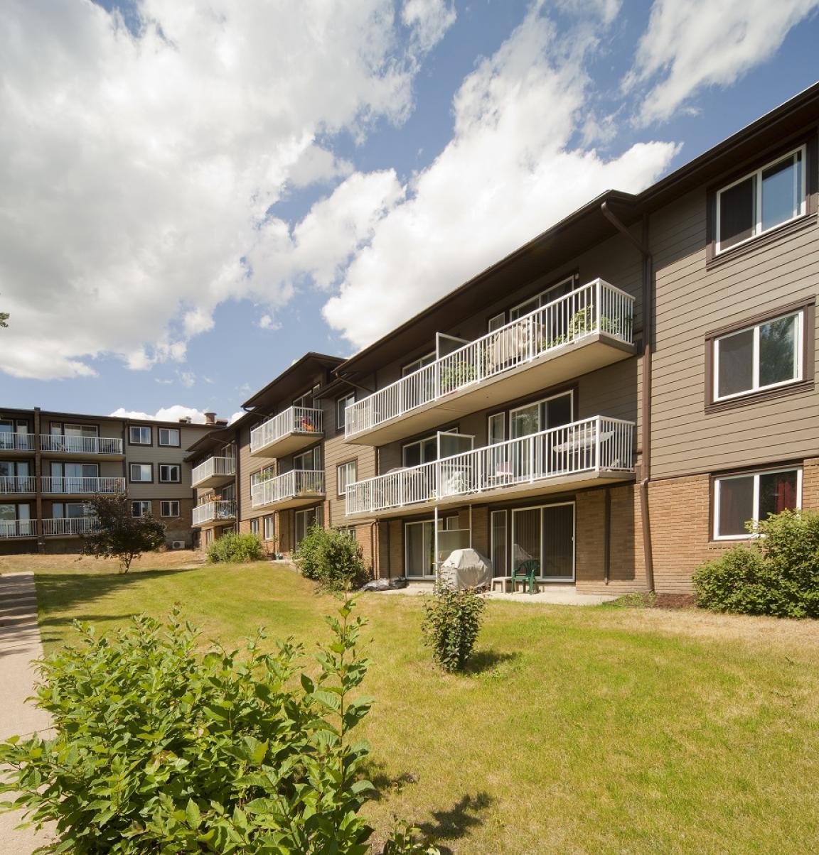 Rental Apartments By Owner: 5045 Whitemud Road, Edmonton, AB
