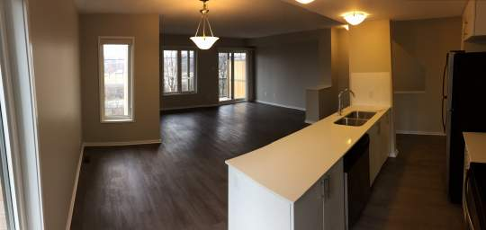 Home For Rent in  10 Deerfield Drive, Ottawa, ON