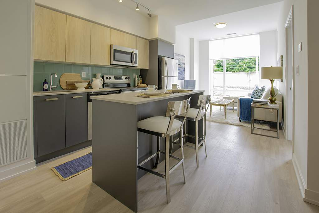 Oakville Apartment for rent, click for more details...