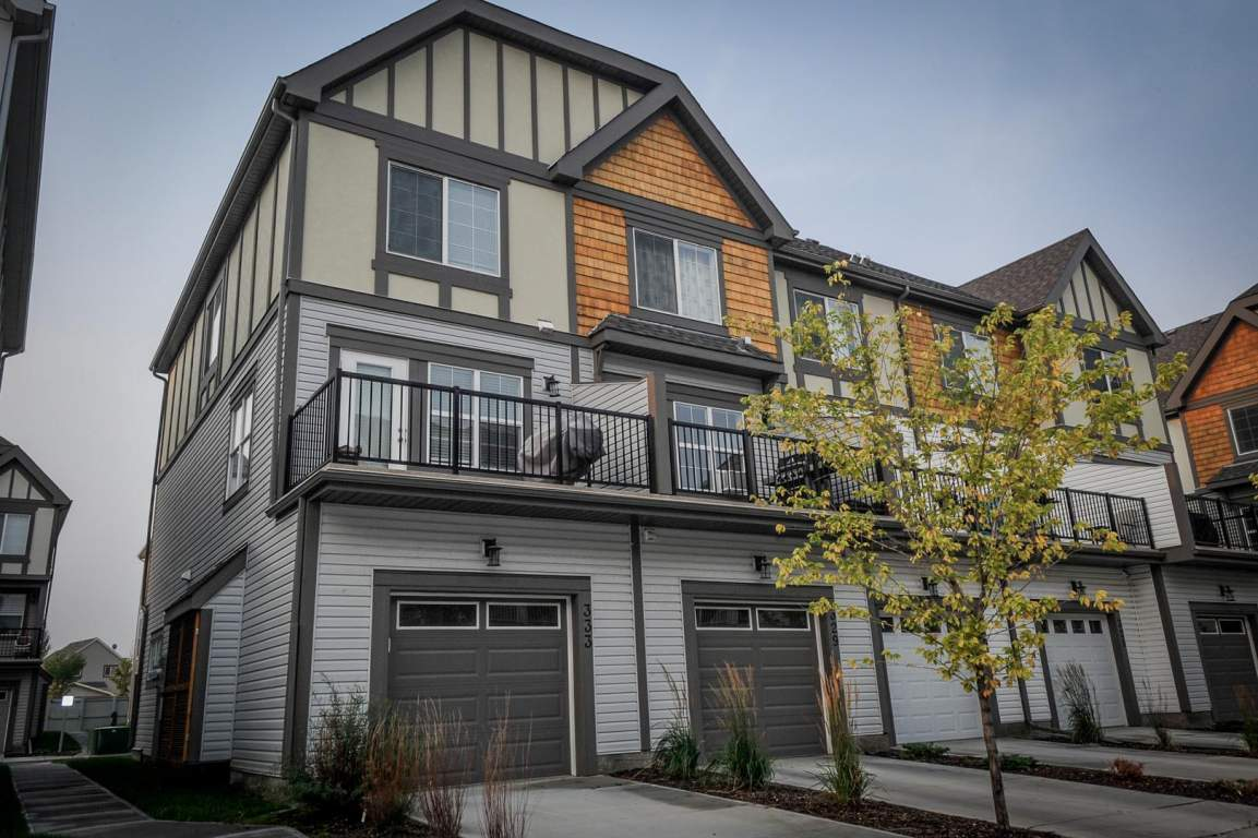 Calgary South East 2 Bedrooms Townhouse For Rent