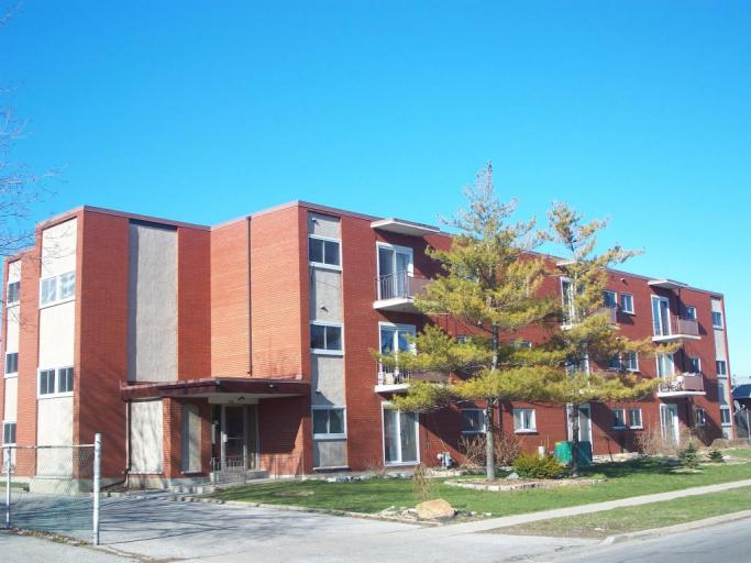 Apartments for Rent (2 Bedroom)- 830 Wellington St, Sarnia, ON