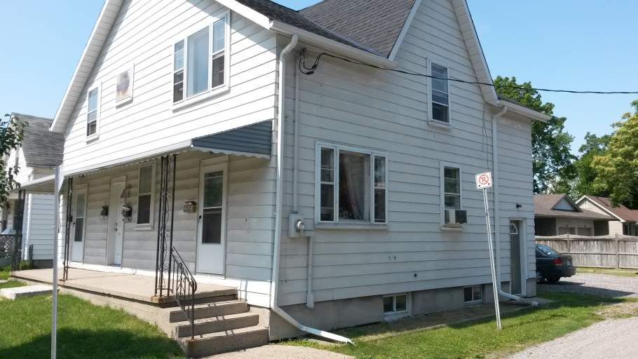 Apartments For Rent (1 Bedroom)- 331-333 Mitton St N, Sarnia, ON