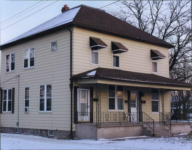 Homes For Rent - 210 Ontario Street, Sarnia, ON