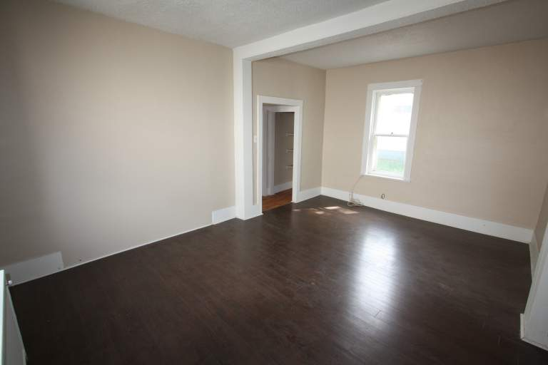 Houses For Rent - 195 Elgin St, Sarnia, ON