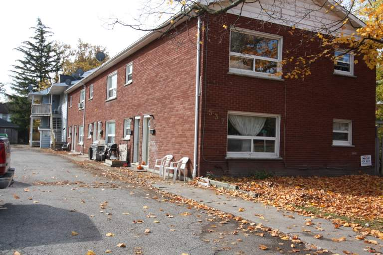 Apartments for Rent - 537 Confederation St, Sarnia, ON