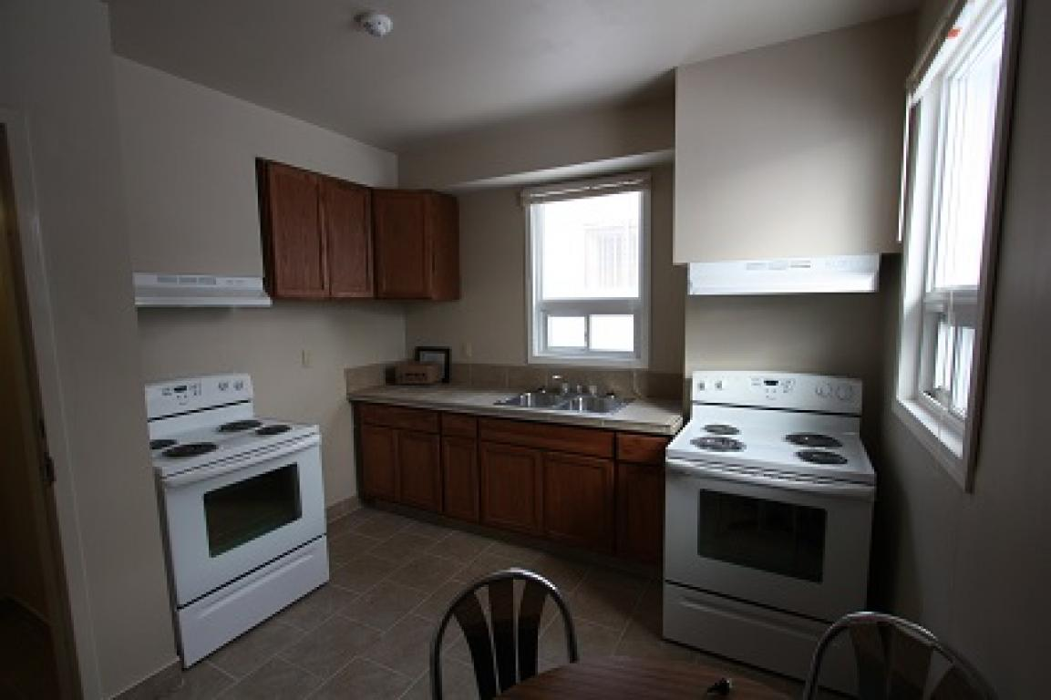 Rooms For Rent - 168 Brock St N, Sarnia, ON