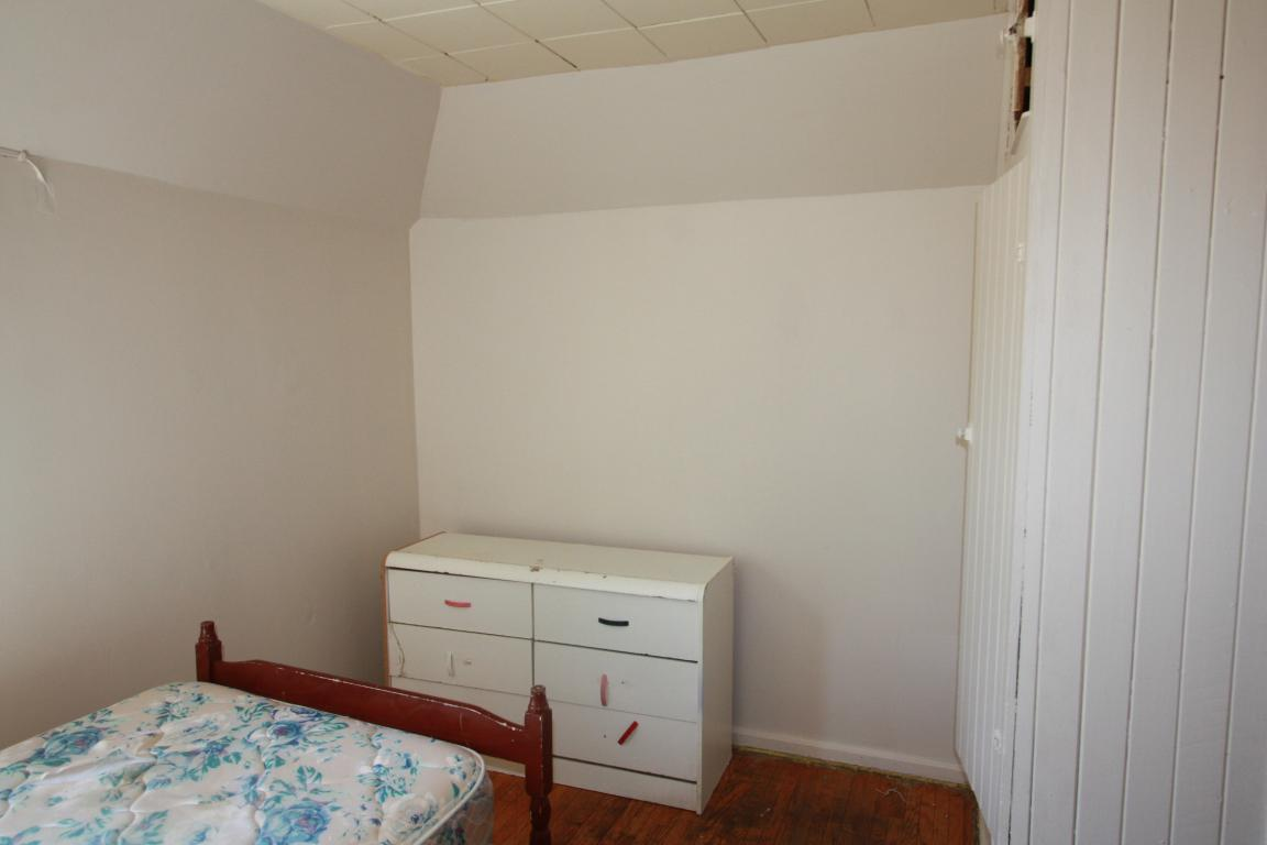 Rooms For Rent - 176 Christina St S, Sarnia, ON