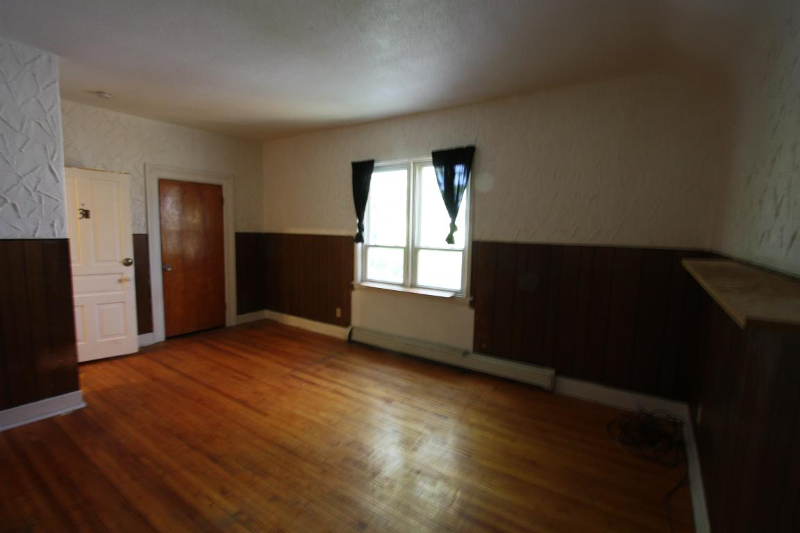 Apartments For Rent - 324 Christina St S, Sarnia, ON
