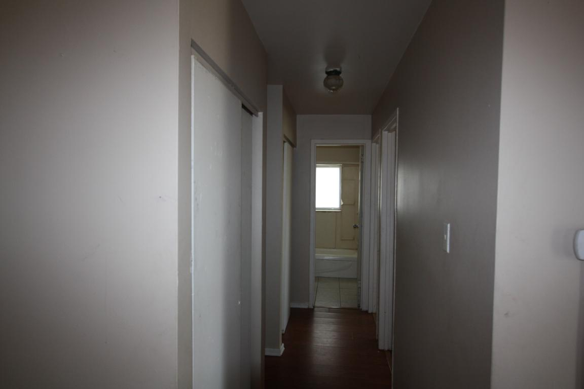 830 Wellington St - 2 bedroom