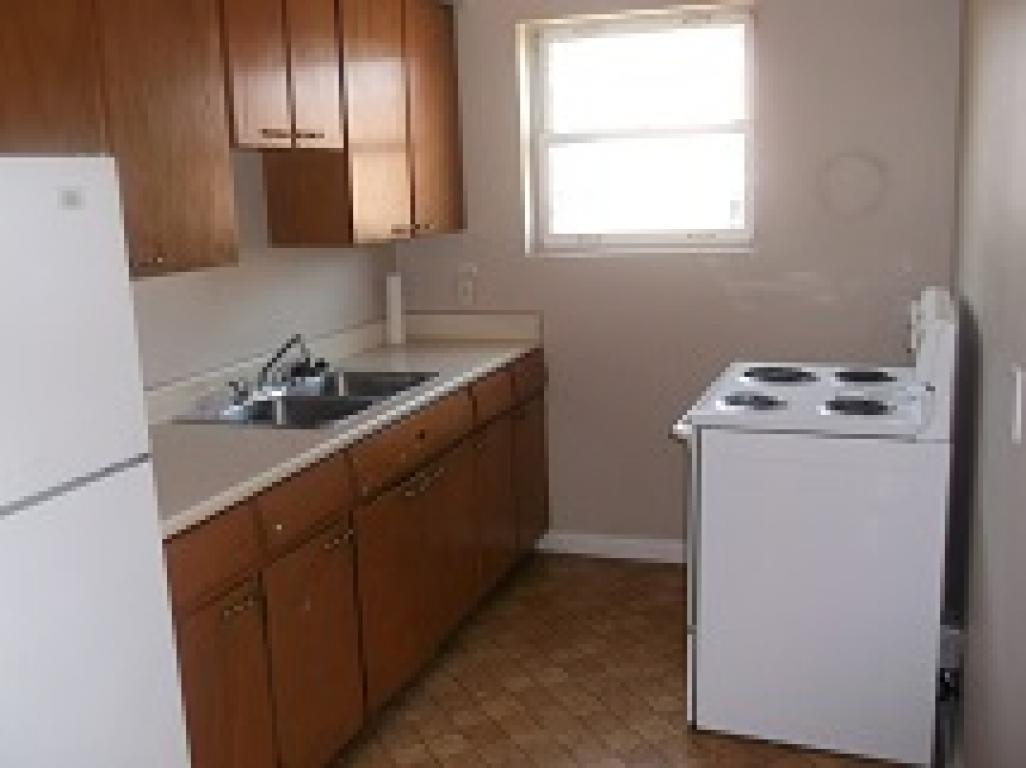 Apartments For Rent (1Bedroom) - 297 Indian Rd S, Sarnia, ON