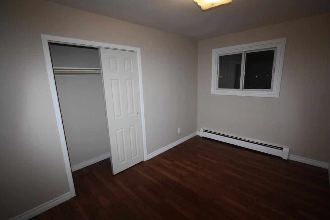 Apartments For Rent - 110 Whitmore Ave, Sarnia, ON