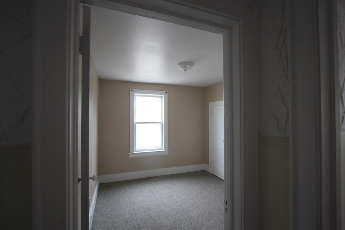 Apartments For Rent - 338 Christina St S, Sarnia, ON