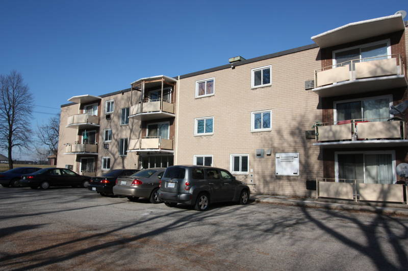 Apartments For Rent (2 Bedroom) - 266 Christina St S, Sarnia, ON
