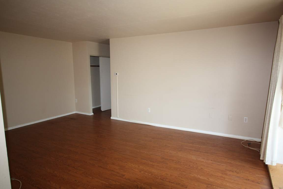 Apartments For 1 Bedroom 830 Wellington St Sarnia On