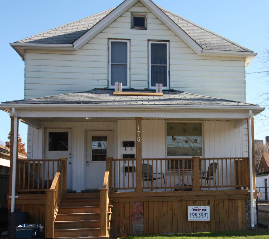 Apartments For Rent (2 Bedrooms) - 176 Christina St S, Sarnia, ON