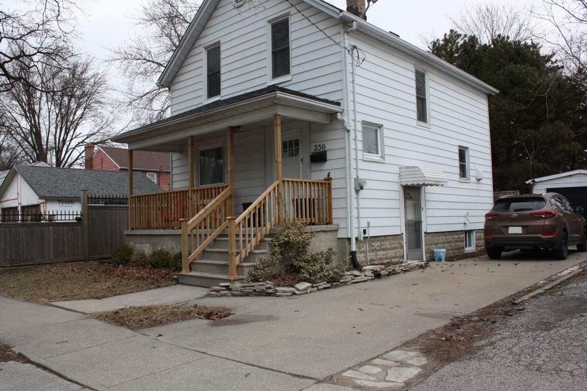 236 Mackenzie St. N
