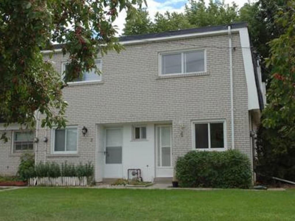 Oakville 3 bedroom Townhouse