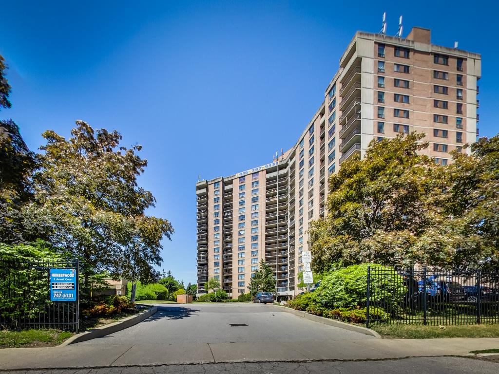 Etobicoke 2 bedroom Apartment