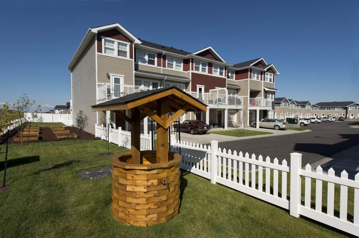 Saskatoon Townhouse for rent, click for more details...