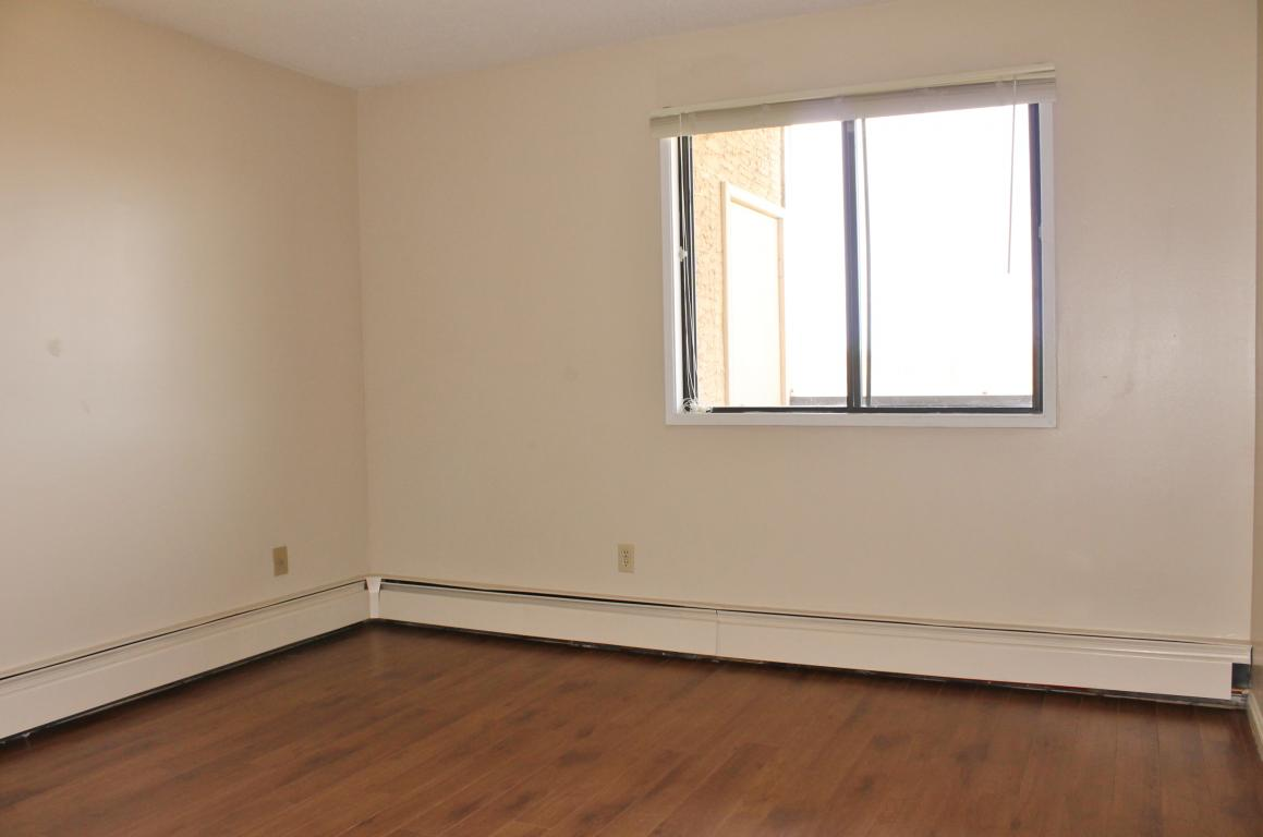 Large bedrooms with new laminate flooring