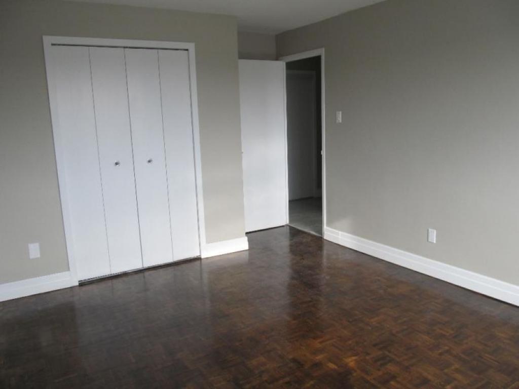 Flooring Kitchener Waterloo 285 Erb Northview Apartment Reit
