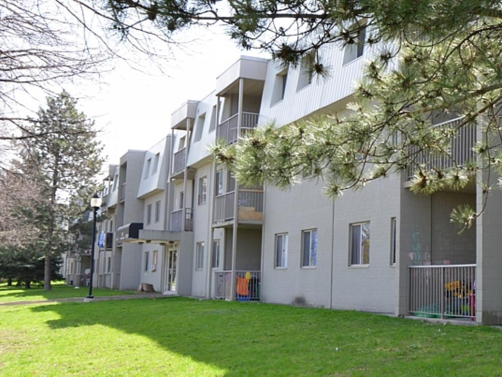 Kitchener Sud 3 chambre à coucher Appartement