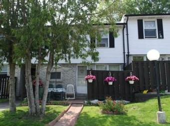 Oshawa Ontario Townhouse for rent, click for details...