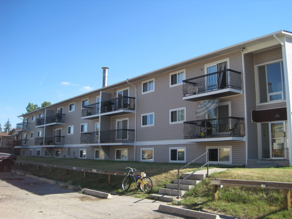 forest lawn apartments
