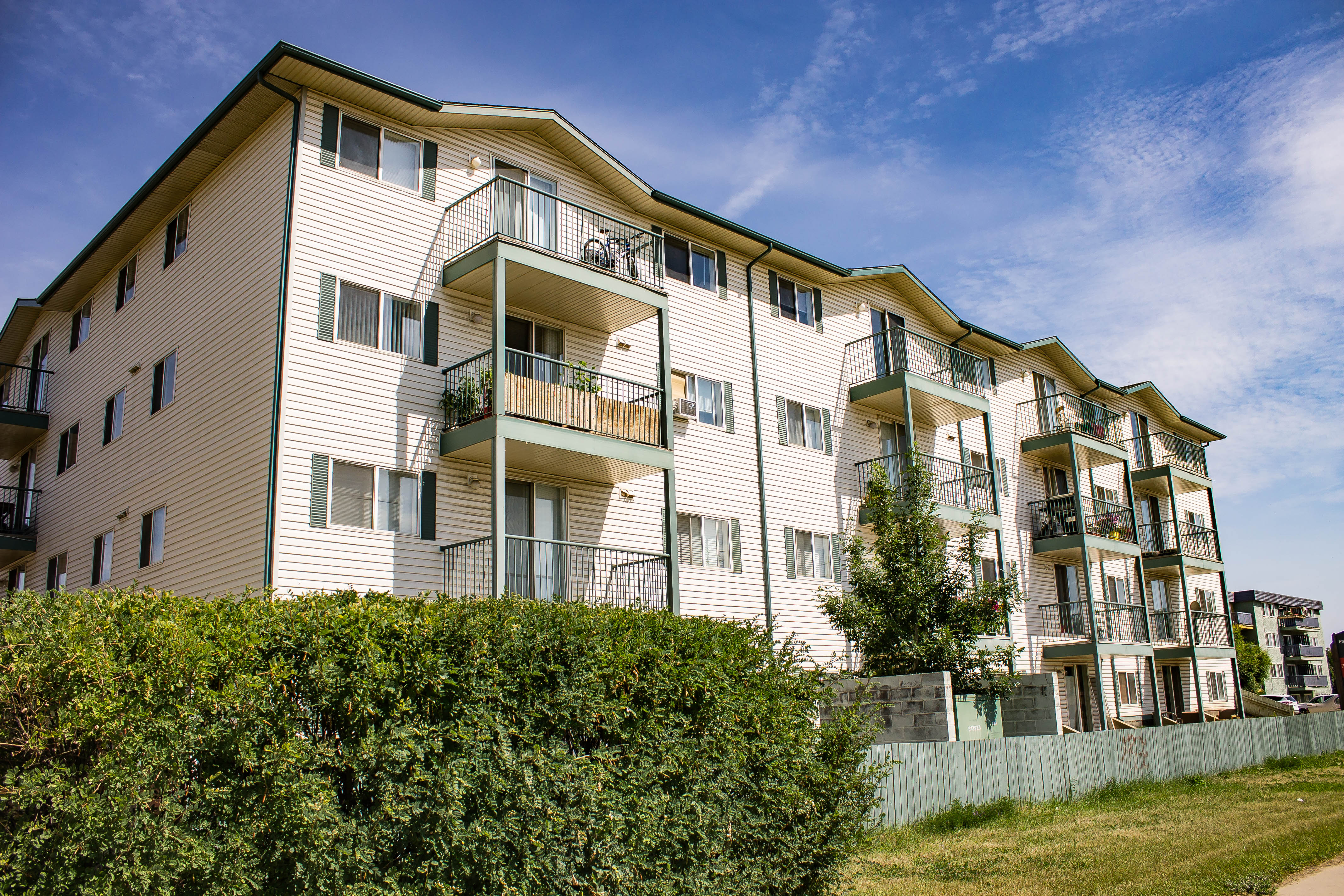 Parkview Manor II | 9501A Manning Avenue | Fort McMurray ...