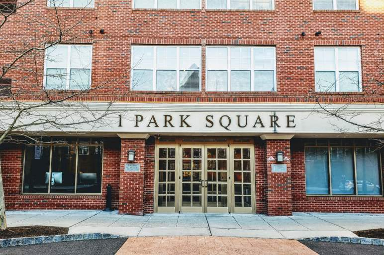 Park Square by ONEWALL